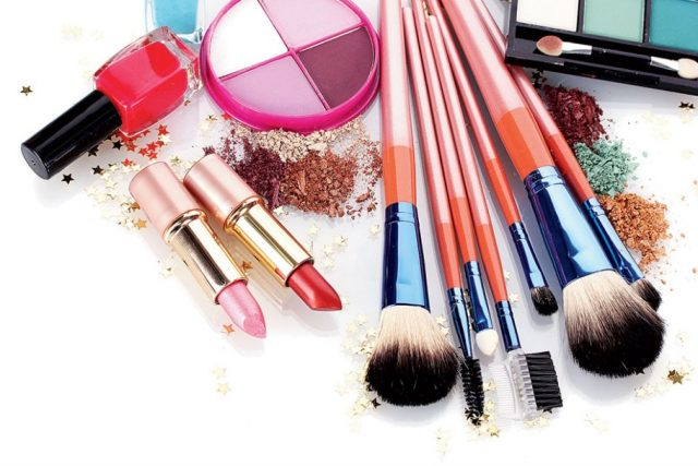 Make-up according to face
