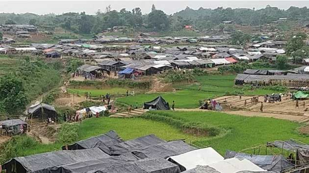 Rohingyas are registered to enter the biometric system