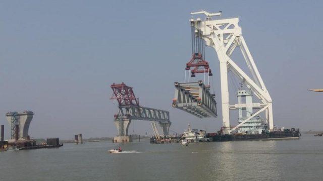 Completing the second span of the Padma bridge পদ্মা সেতুর দ্বিতীয় স্প্যান