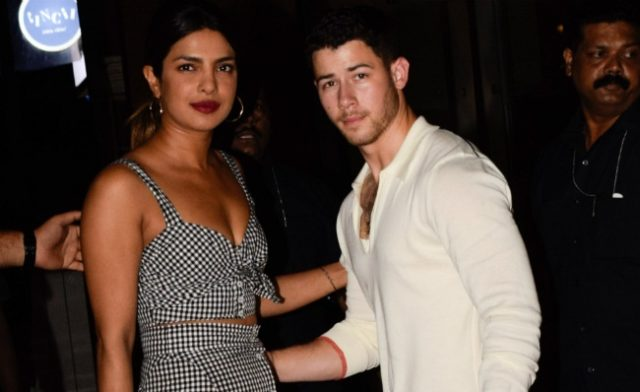 Nick-Priyanka meet her mother