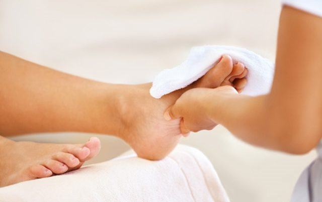 Effective advice on foot care in the rainy season